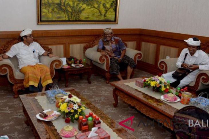Banjar Kaja Sesetan menggelar 'Festival Omed-Omedan'