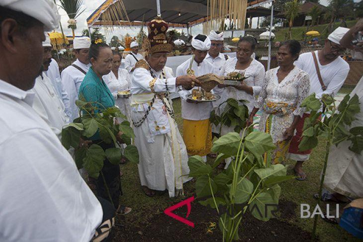 Upacara Mepepada menjelang Tawur Kesanga