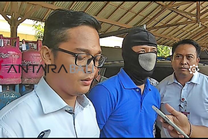 Polres Gianyar tangkap pengoplos gas 12 kg (video)