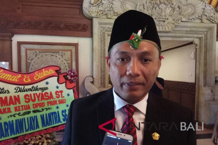 Sidang DPRD Bali melantik pengganti Jro Gede Komang