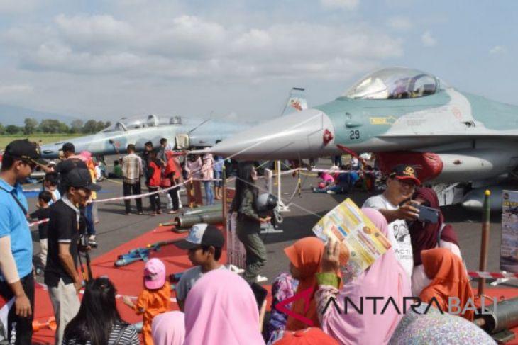 Open House TNI AU