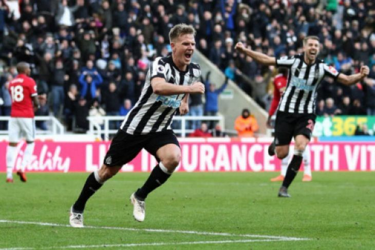Newcastle United taklukkan Arsenal 2-1