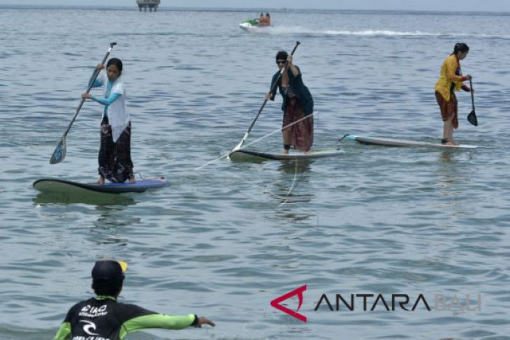 Puluhan wisatawan mancanegara ikuti peringatan Hari Kartini