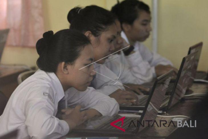 Bayang-bayang persoalan sarana UNBK di Bali