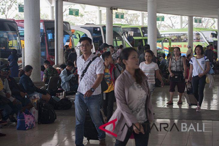 Pemudik berangkat dari Terminal Mengwi terpantau ramai