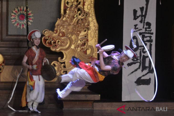 Seniman Korsel pukau pengunjung Pesta Kesenian Bali