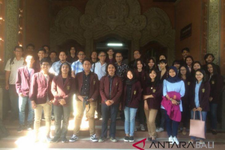 Mahasiswa ISI Denpasar studi ekskursi ke Petra Surabaya