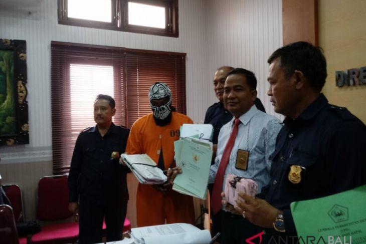 Polda Bali Tahan Koruptor LPD Kapal Rp15,4 miliar
