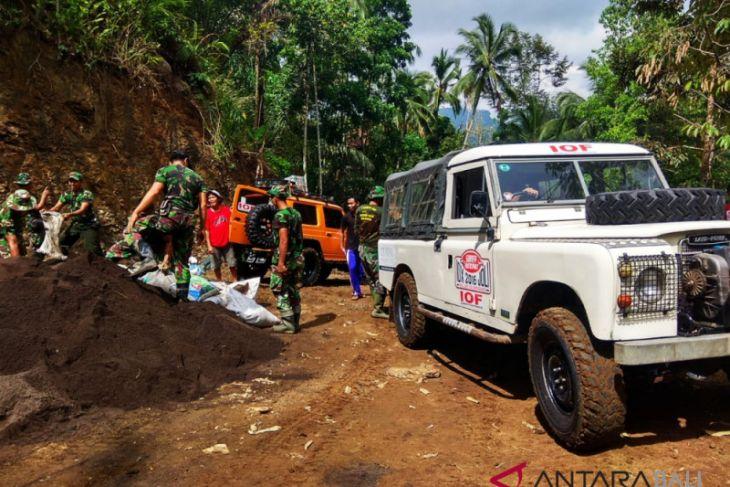 Komunitas IOF Bali bantu TMMD Kodim Karangasem