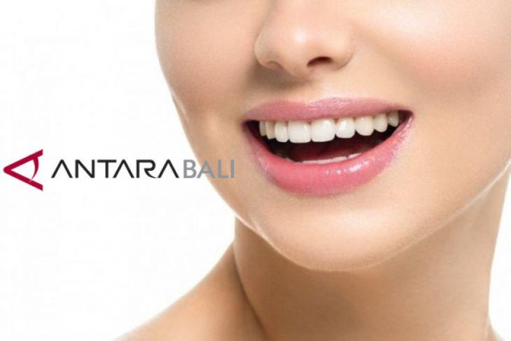 Cara Memutihkan Gigi Dengan Kunyit Antara News Bali