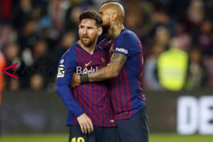 Liga Spanyol - Barcelona tetap di puncak meski kalah