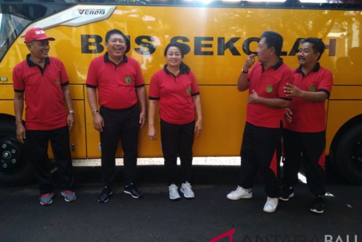 Kementerian Perhubungan bantu bus sekolah Jembrana