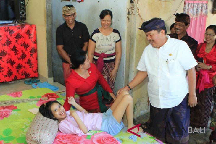 Ratusan penyandang disabilitas Jembrana dapat bantuan