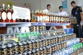 Pemkot Tangerang Musnahkan Ribuan Botol Miras