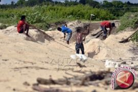 Banten Hentikan Sementara Izin Penambangan Pasir Laut