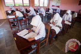 Sekolah Berutang Akibat Belum Cair BOS