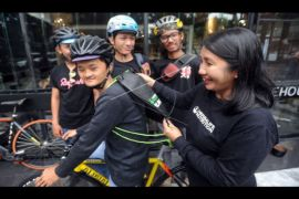Bidonesia Dari Kurir Sepeda Sampai Kompetisi Global
