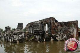 Menilik Sejarah Banten Dari Museum Kepurbakalaan