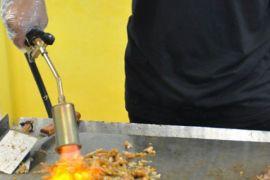 Bakaro Grill Hadirkan Kuliner Gunakan Flame Thrower