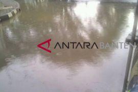 Jalan Protokol Di Rangkasbitung Banjir Akibat Hujan Deras