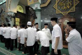 ASN Kota Tangerang Ikuti Pengajian Sebelum Berkerja