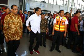 Presiden Tinjau Arus Balik di Bandara Soetta