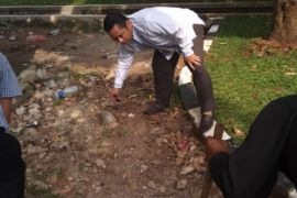 Arief Sidak Kebersihan Hari Pertama Kerja