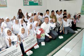 Bank Banten Bantu 51 Yatim Piatu Sarana Pendidikan