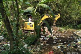 DLH Tangsel Tertibkan Tempat Pembuangan Sampah  Liar