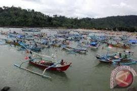 Tangkapan Ikan Laut Di Lebak Turun