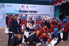 BUMN Hadir Untuk Negeri - Taspen Serang Serahkan Sertifikat Kepada Peserta SMN Asal Banten