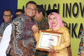 Bupati Serang Raih Penghargaan 'Inagara' Dari LAN