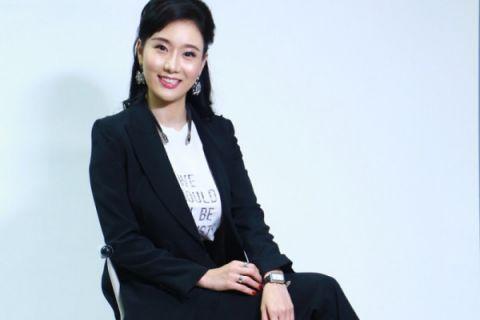 Hwang Miri Rajin Pelajari Budaya Indonesia