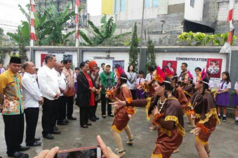 Menteri Yohana Yembise Deklarasikan Sekolah Ramah Anak