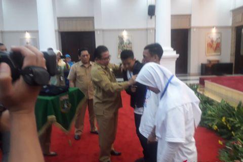 BUMN Hadir - Sekda Banten Lepas 20 Siswa Ke Kalsel