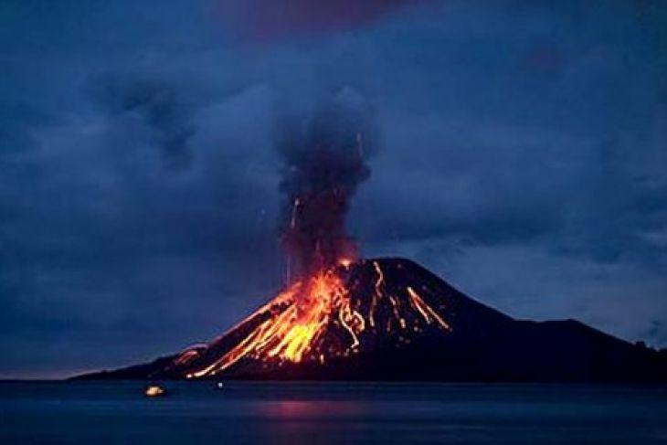 Warga Diminta Tetap Tenang Terkait Letusan Krakatau