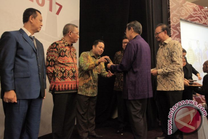 Kota Tangerang Raih Penghargaan Anugerah Pandu Negeri