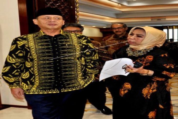 Gubernur Banten Ancam Laporkan Aparatur