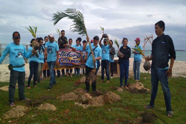 KMK Serang Cilegon Tanam Pohon Di Pulau Lima