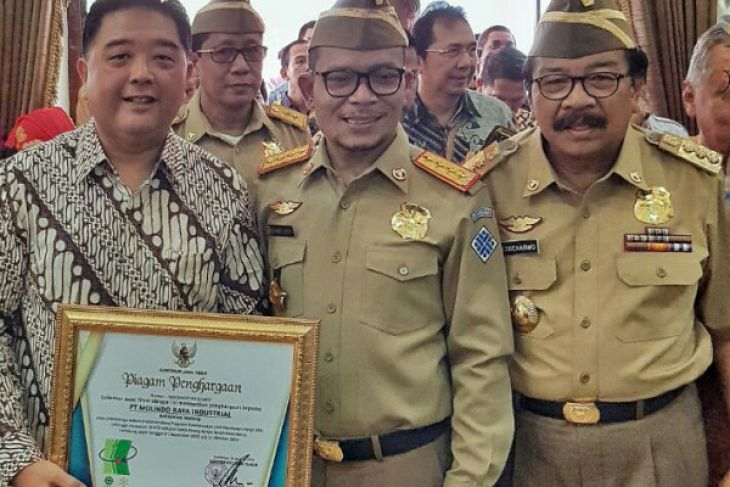 Molindo Raya Industrial Raih Penghargaan Gubernur Jatim