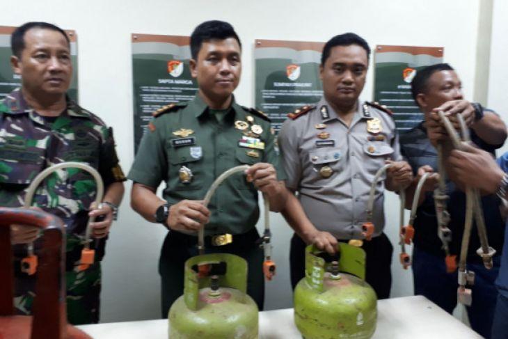 Polisi Ungkap Pengoplos Elpiji Baru Lima Hari