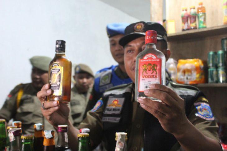 Satpol PP Merazia Penjual Minuman Keras