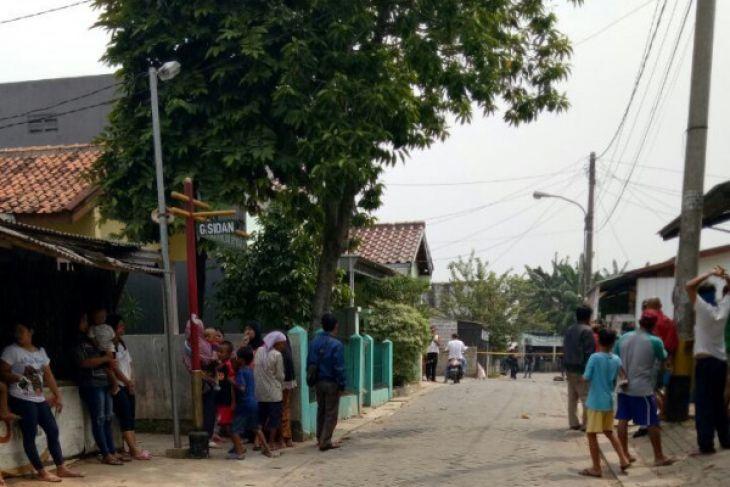 Densus 88 Amankan Tiga Terduga Teroris Di Tangerang