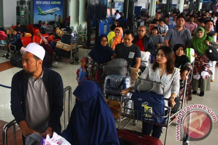 Arus Balik - Penumpang Bandara Soetta Tiga Hari Lebaran Meningkat