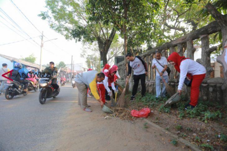 Ratusan Warga Berpartisipasi Program Kampung Bersih