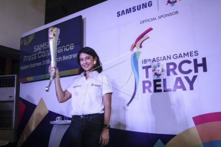 Dian Sastro-Mikha Tambayong Siap Bawa Obor Asian Games