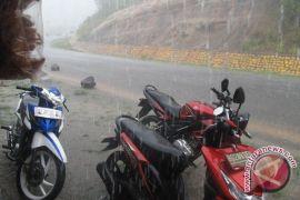 Hujan lebat guyur kabupaten/kota di Bengkulu