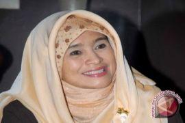Neno Warisman dipulangkan dari Bandara Pekanbaru