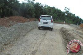 Warga Mukomuko keluhkan jalan rusak