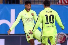 Barcelona tepis rumor boyong kembali Neymar